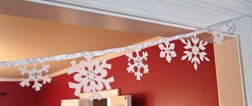 SnowflakeBuntingClose12-15-12