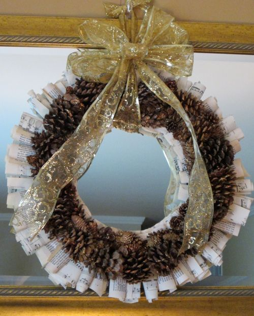 PineconeWreath2013