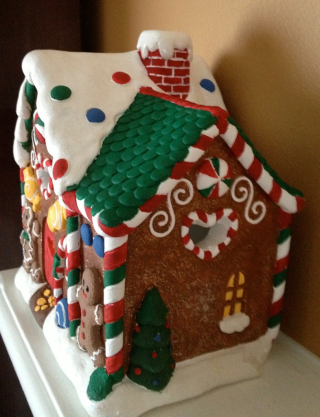 GingerbreadHouseRight