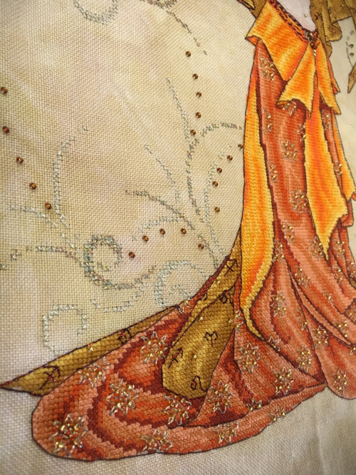 Fire Goddess HD-skirt detail