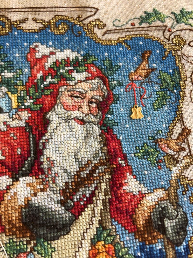 Charmed Santa HD-face