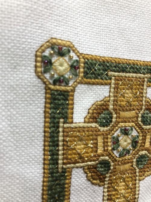 TW Celtic Cross Fo-medallions
