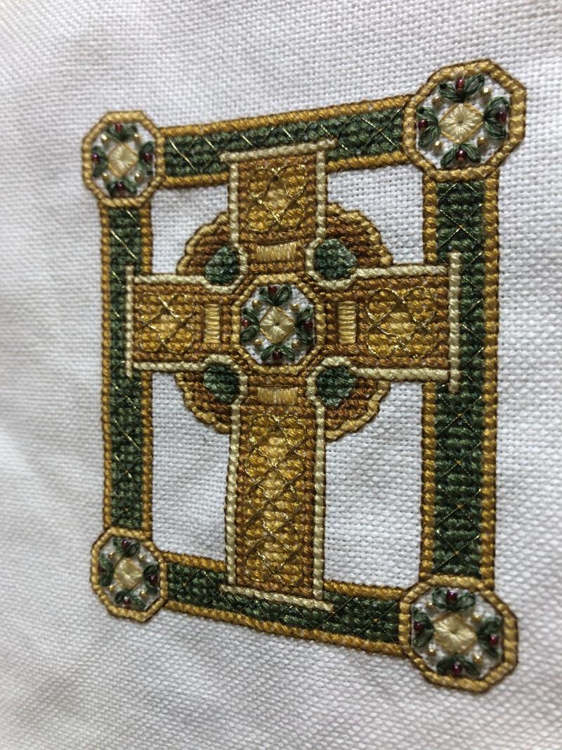 TW Celtic Cross Fo-celtic knot